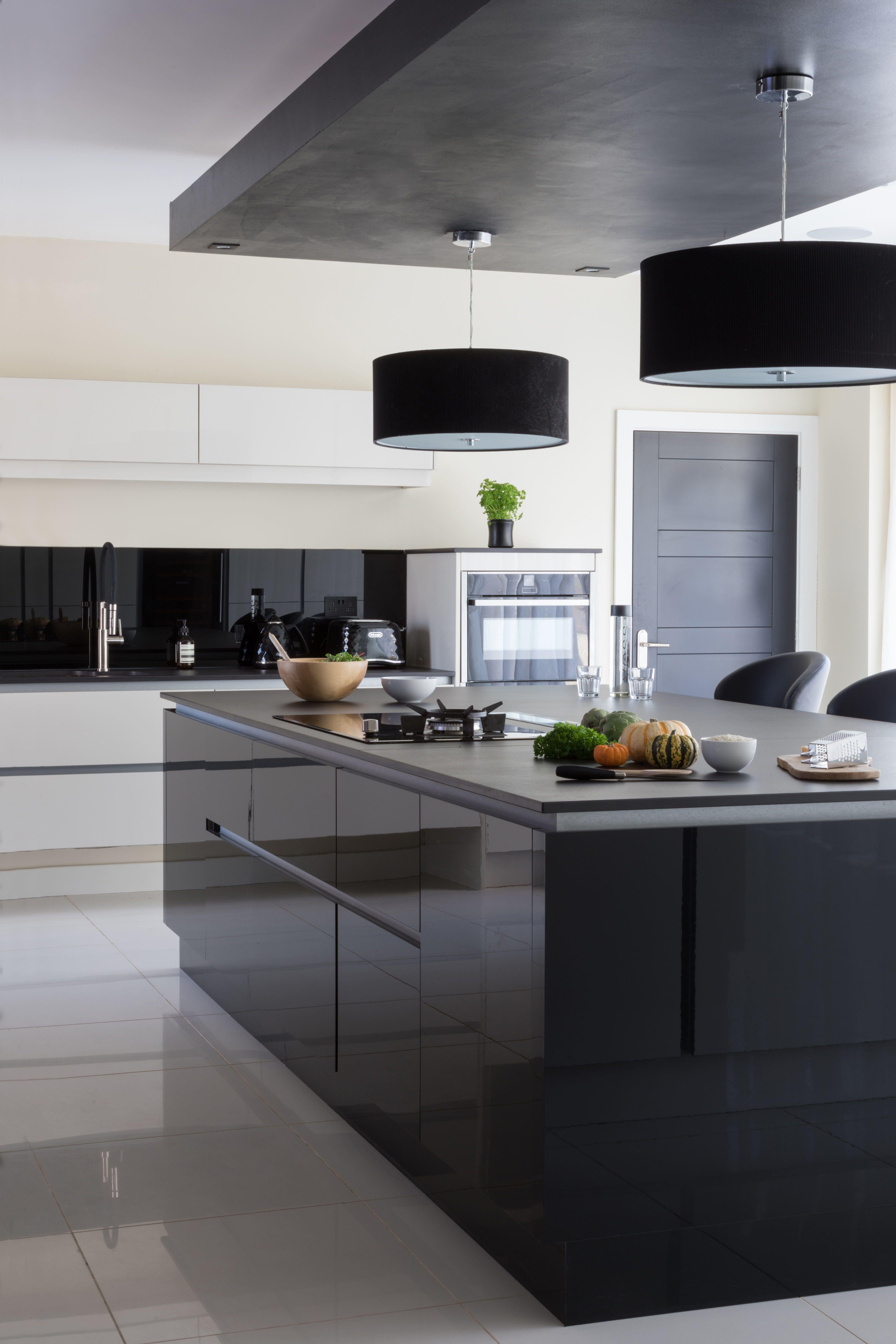 minimalist dark gloss kitchen  sleek kitchen design