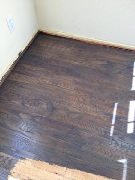 Problem Staining Oak Floor Can T Get It Dark Enough Stain Moves Around When Applying Poly Coat Flooring Laminate Flooring Oak Floors