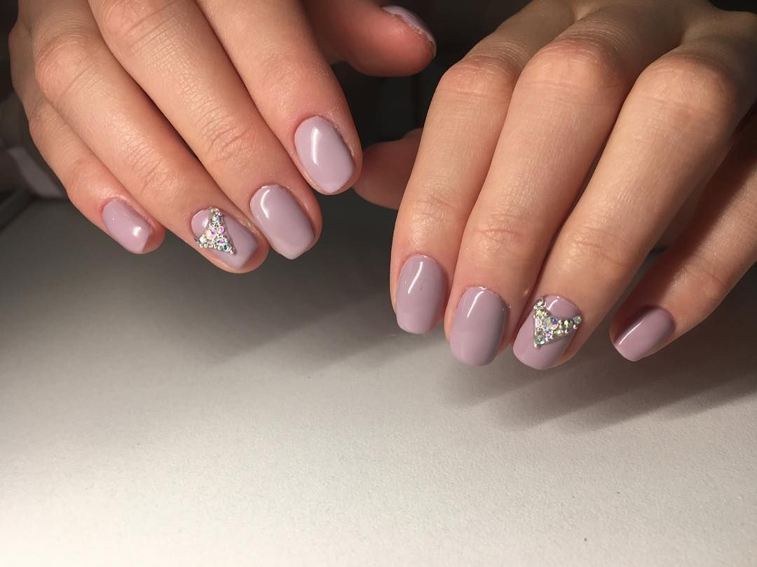 What Is The Difference Between Shellac And Gel Polish Ladylife Different Nail Shapes Gel Nails French Nail Shapes