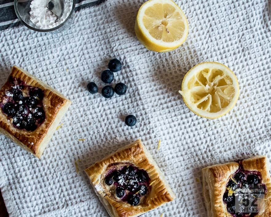 Sitruunaiset mustikkaleivokset / Bluberry Lemon Tarts