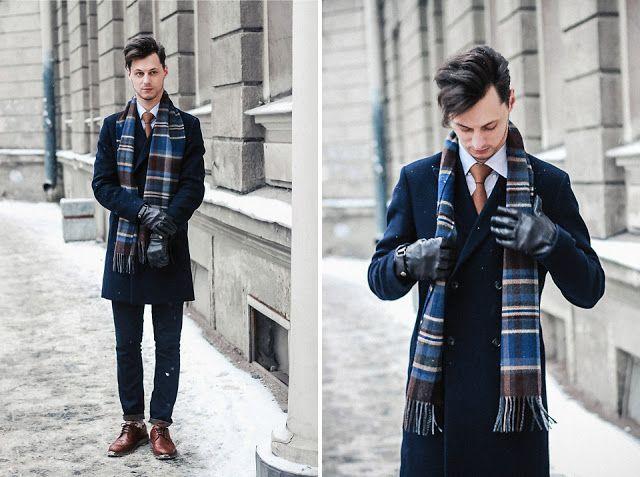 Macho Moda - Blog de Moda Masculina  Cachecol Masculino  Dicas para Homem  usar Cachecol, Look Masculino com Cachecol, Cachecol Xadrez, Coat Azul  Marinho, ... 5c3c3a47d7