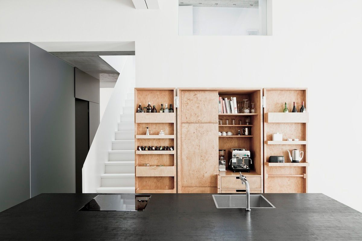Thomas bendel unifies two buildings into a single apartment