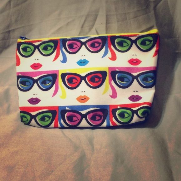 Multicolor makeup bag Multicolor face makeup bag. Never been used. Ipsy brand Bags Cosmetic Bags & Cases