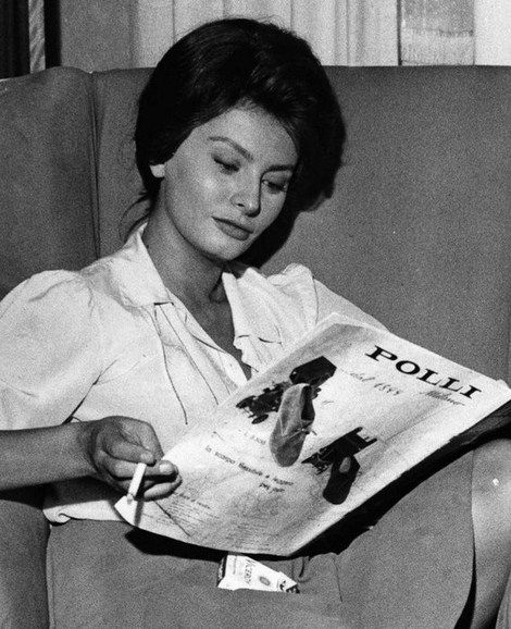 Shared Board Cause To Pause: Sophia Loren Smoking Viceroy Cigarettes Made By R. J