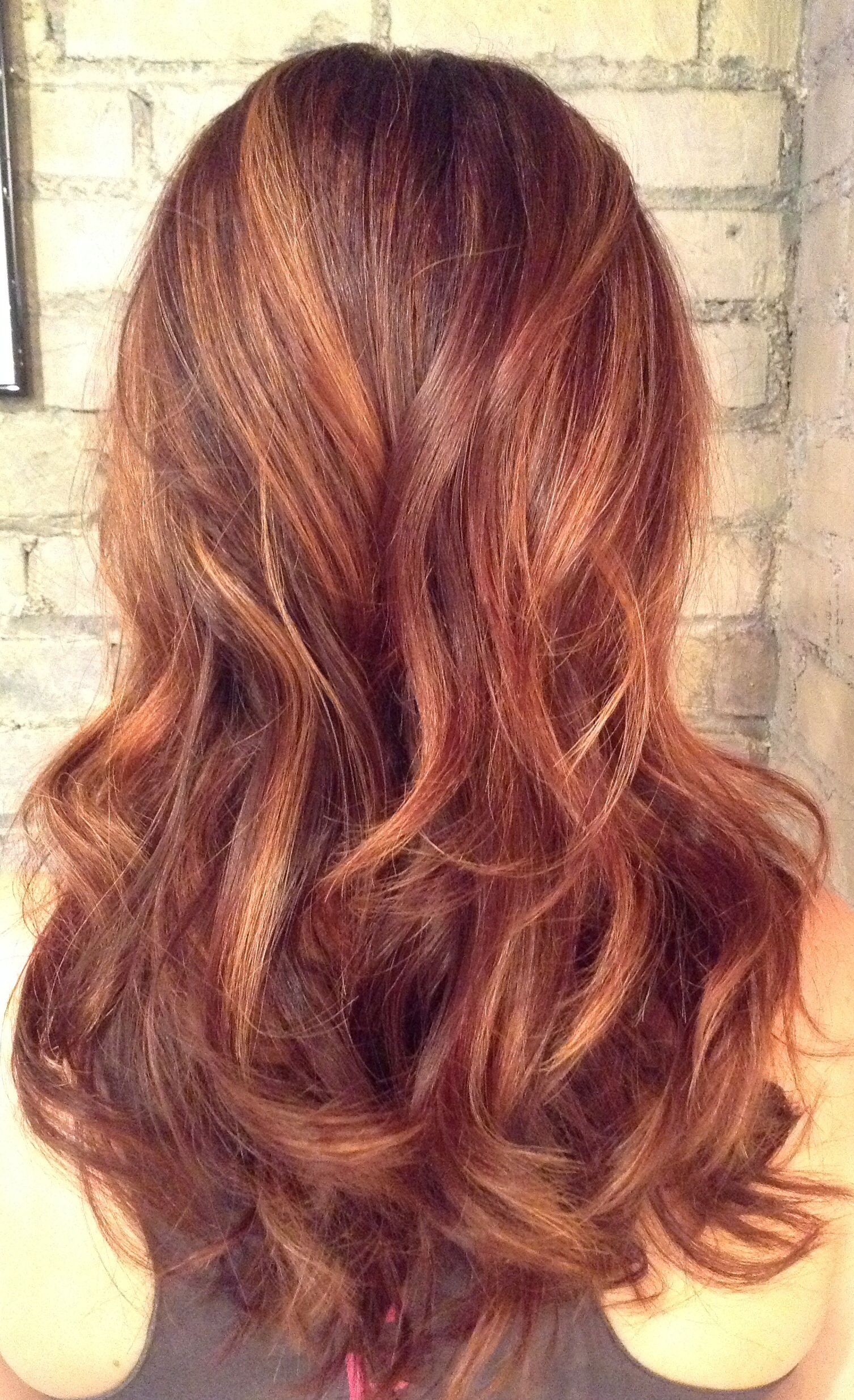 Natural Red Balayage With Rose Gold Accents Maybe This With Some Dark Brown Hair Color Auburn Auburn Hair With Highlights Hair Styles