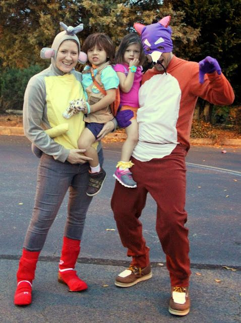 group family costume Dora, Diego, Boots and Swiper.