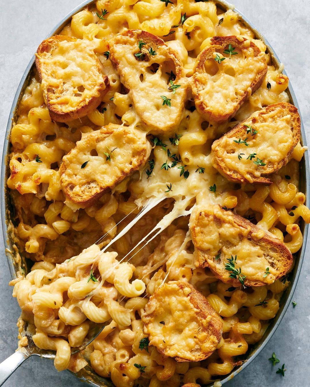 Nyt Cooking On Instagram French Onion Macaroni And Cheese Is Itsalislagle S Newest And Yes It S Topped With Little Melty Gruyere Toasts Recipe Link I