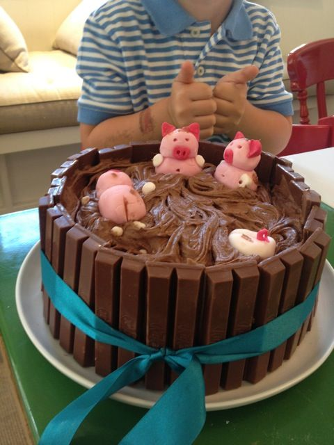 kit kat cake with pigs on top Nanny Ashleys KitKat Pig Pen Cake