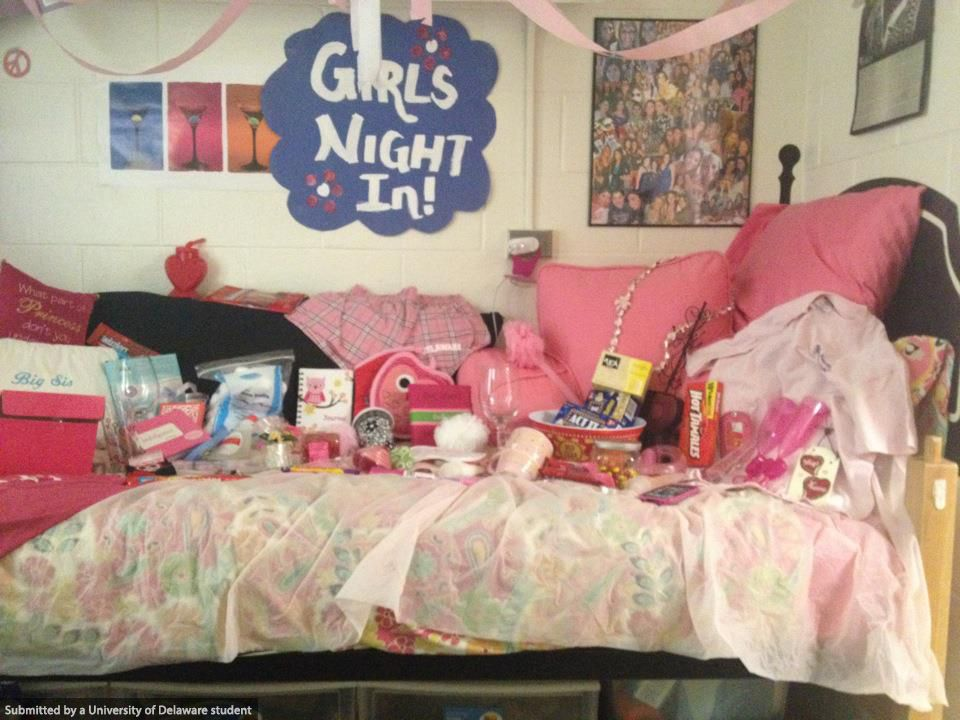 During Big/Little Week Sororities Decorate Dorm Rooms With Themes Such As   Part 95
