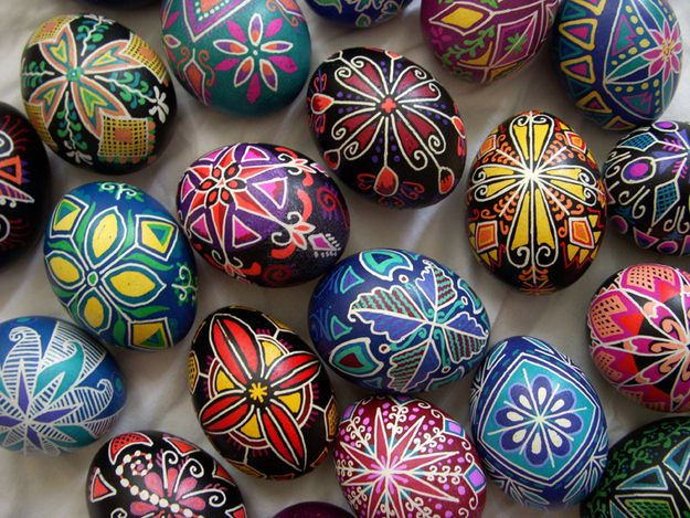 19 perks of having an artsy best friend artsy egg and easter easter can be frustrating what with your artsy friend making better eggs than you negle Gallery
