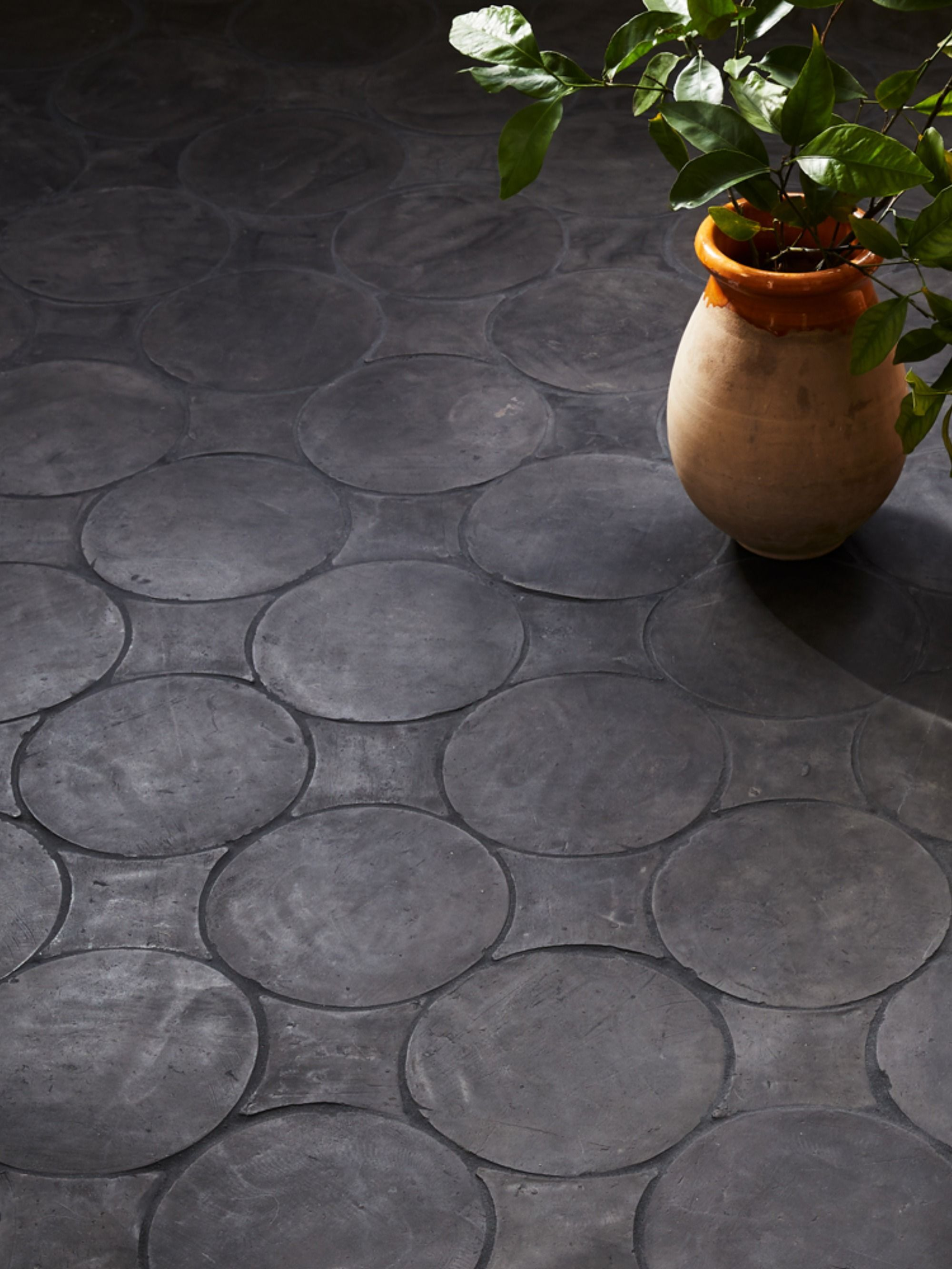Star And Circle Terracotta Floor Tiles In 2020 Terracotta Floor