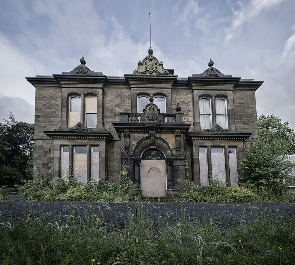 Don't Know Where This Abandoned Manor House Is, But What A