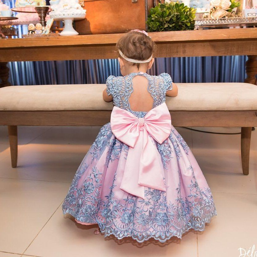 La Imagen Puede Contener Interior Vestidos Personalizados Vestidos Vestido Florista