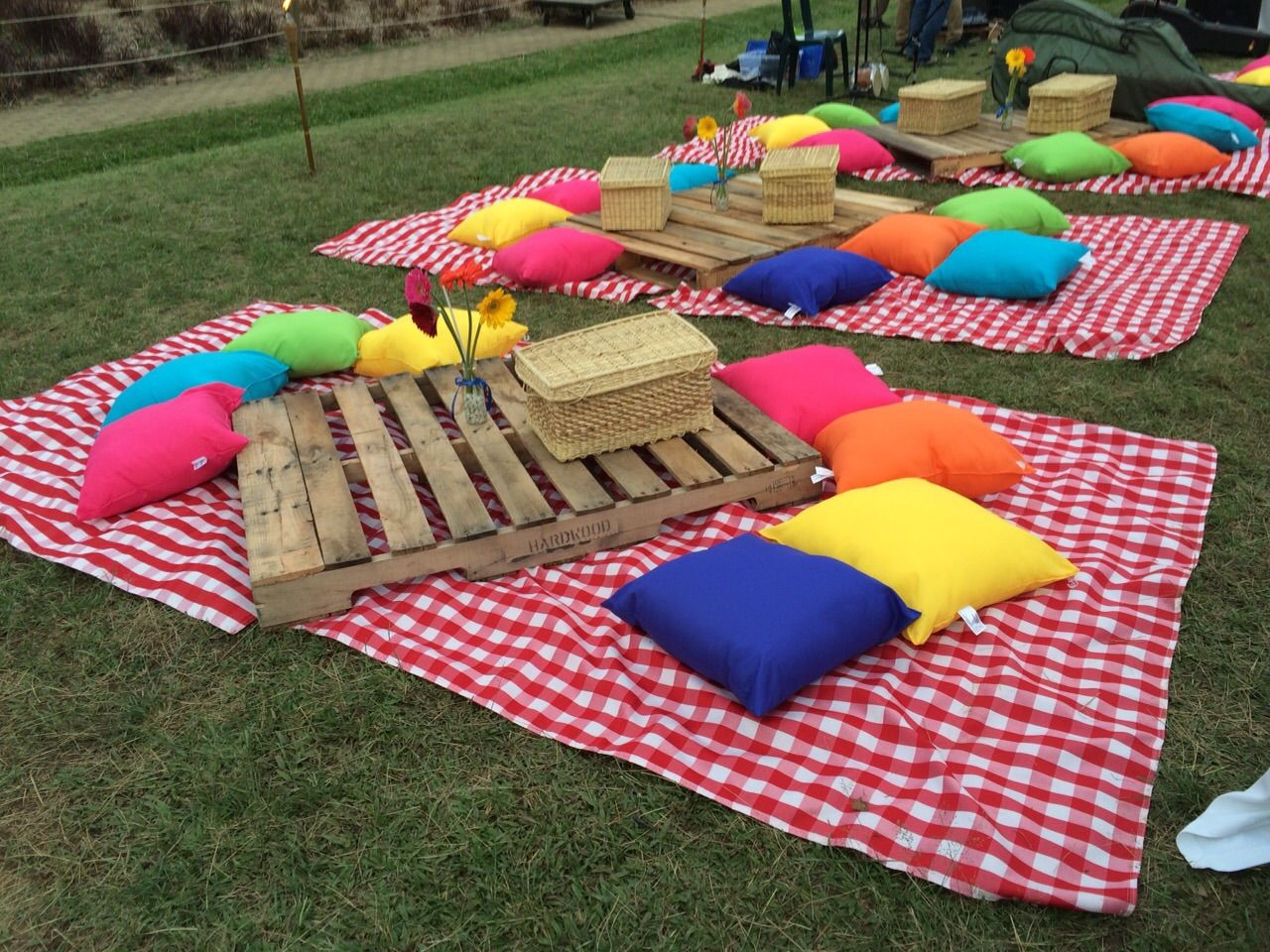Tem tica picnic ubicaci n jard n bot nico medell n for Bodas en el jardin botanico de medellin