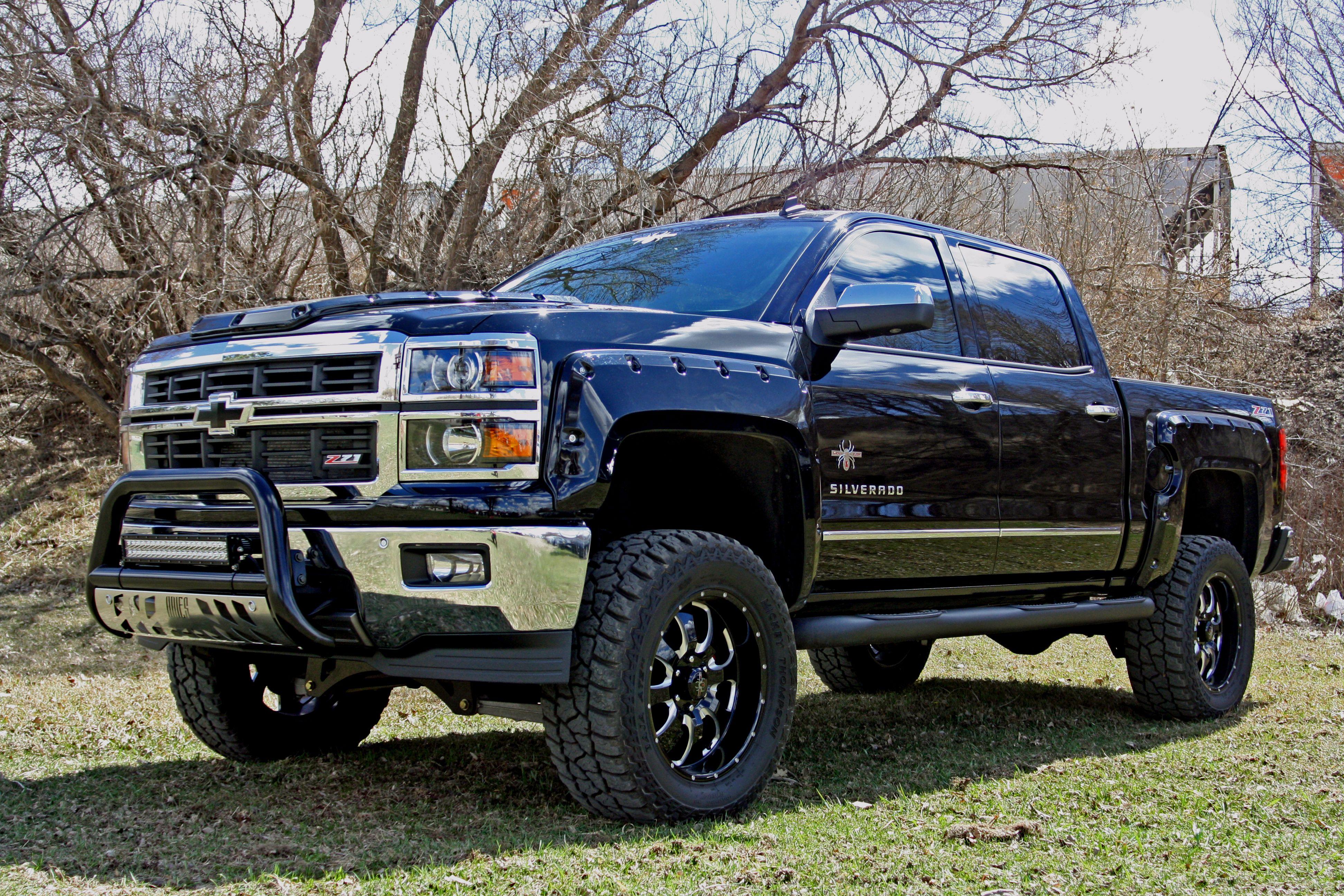 Luke bryan big black truck