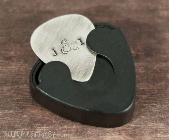 21 unique valentine 39 s day gift ideas for men guitar picks and guitars. Black Bedroom Furniture Sets. Home Design Ideas