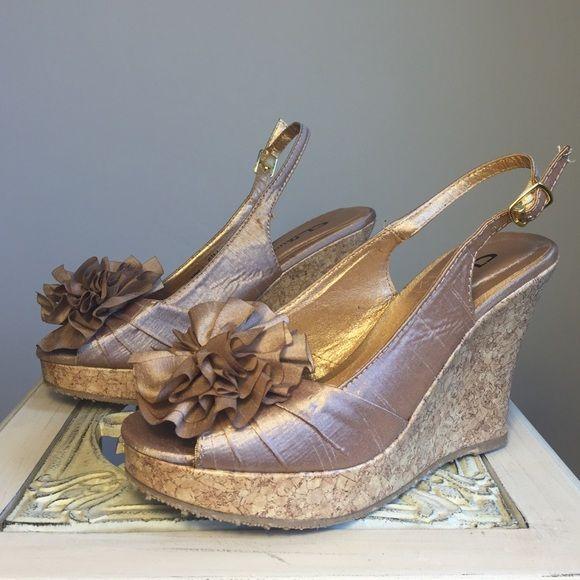 887cffdbbe8 ❗️Sold❗️Metallic Light Gold Wedge Sandal Gorgeous and fun light gold  metallic wedges!