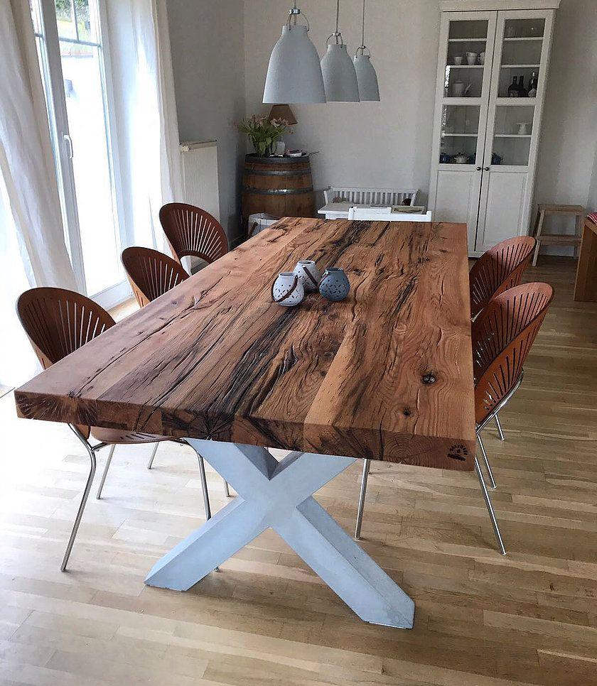 Esstisch aus eichenholz altholz auf einem tischgestell aus for Eichenholz esstisch