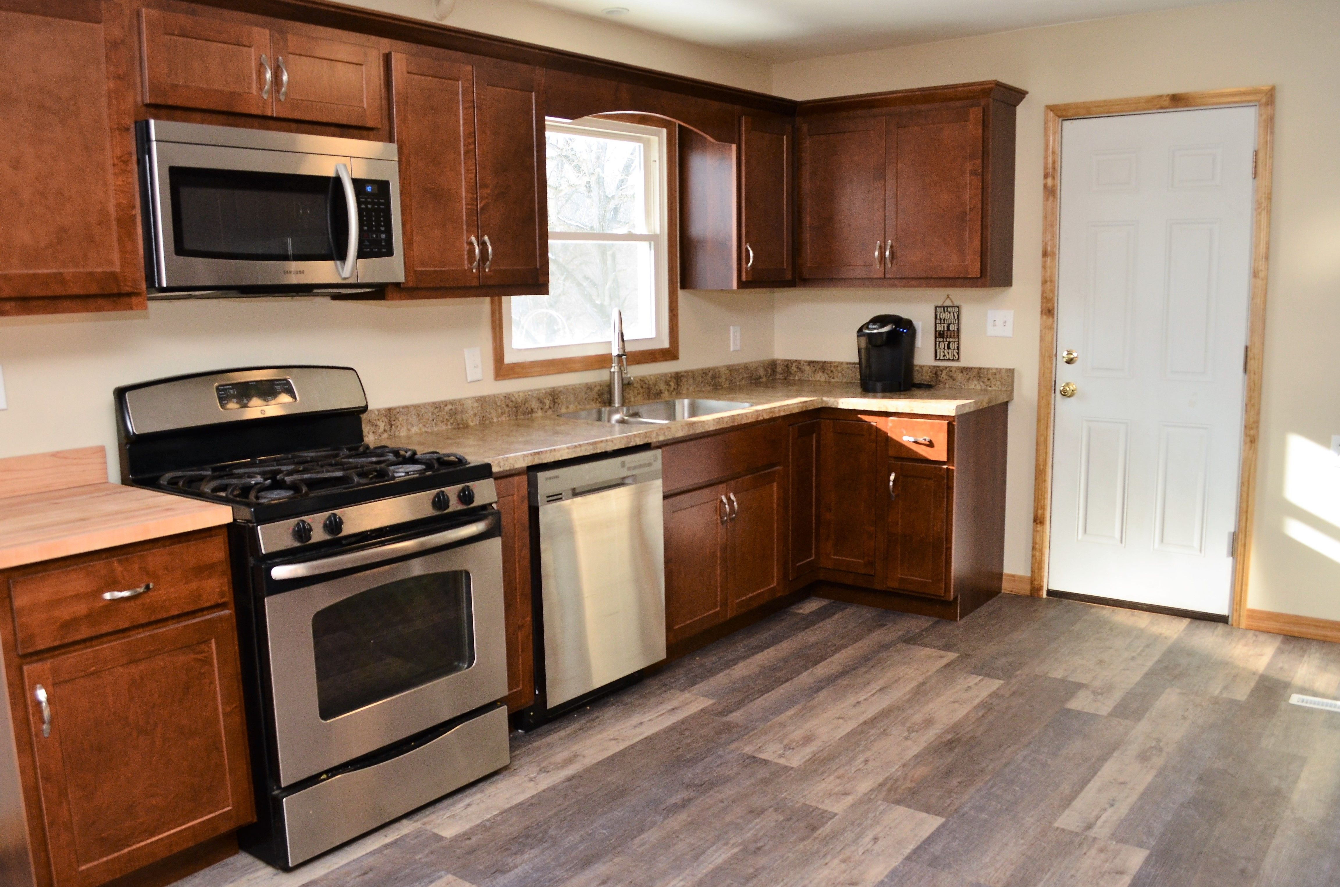 Baileytown Chesapeake Maple Espresso Maple Cabinets Cabinetry Kitchen Cabinets