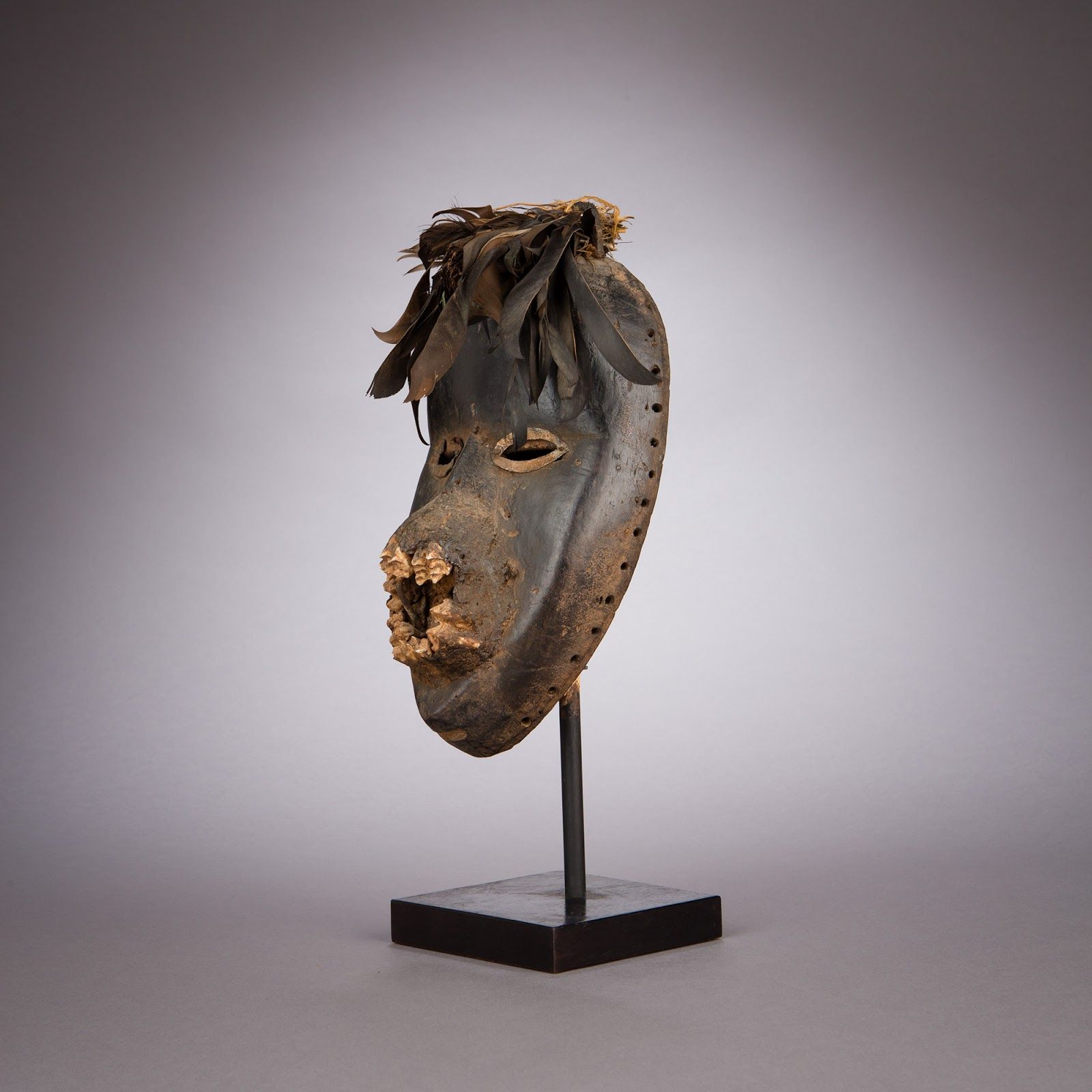 Mask  -  Dan, Liberia or Côte d'Ivoire  -  Early 20th century