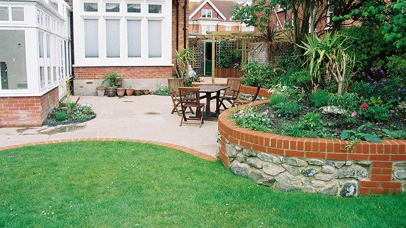 Large Lawned Garden Landscaping | Garden design, Garden ...