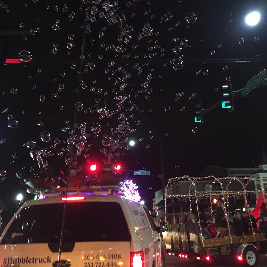 Pin By Bubble Truck Window Cleaning On Bubbletruck In Action Christmas Light Installation Christmas Lights Window Cleaner