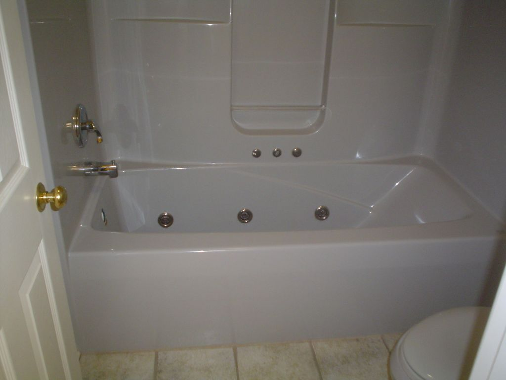 Fiberglass Wall Surround With Jetted Tub  TOTALLY Hate The Surround But  Again Jetted Tub With