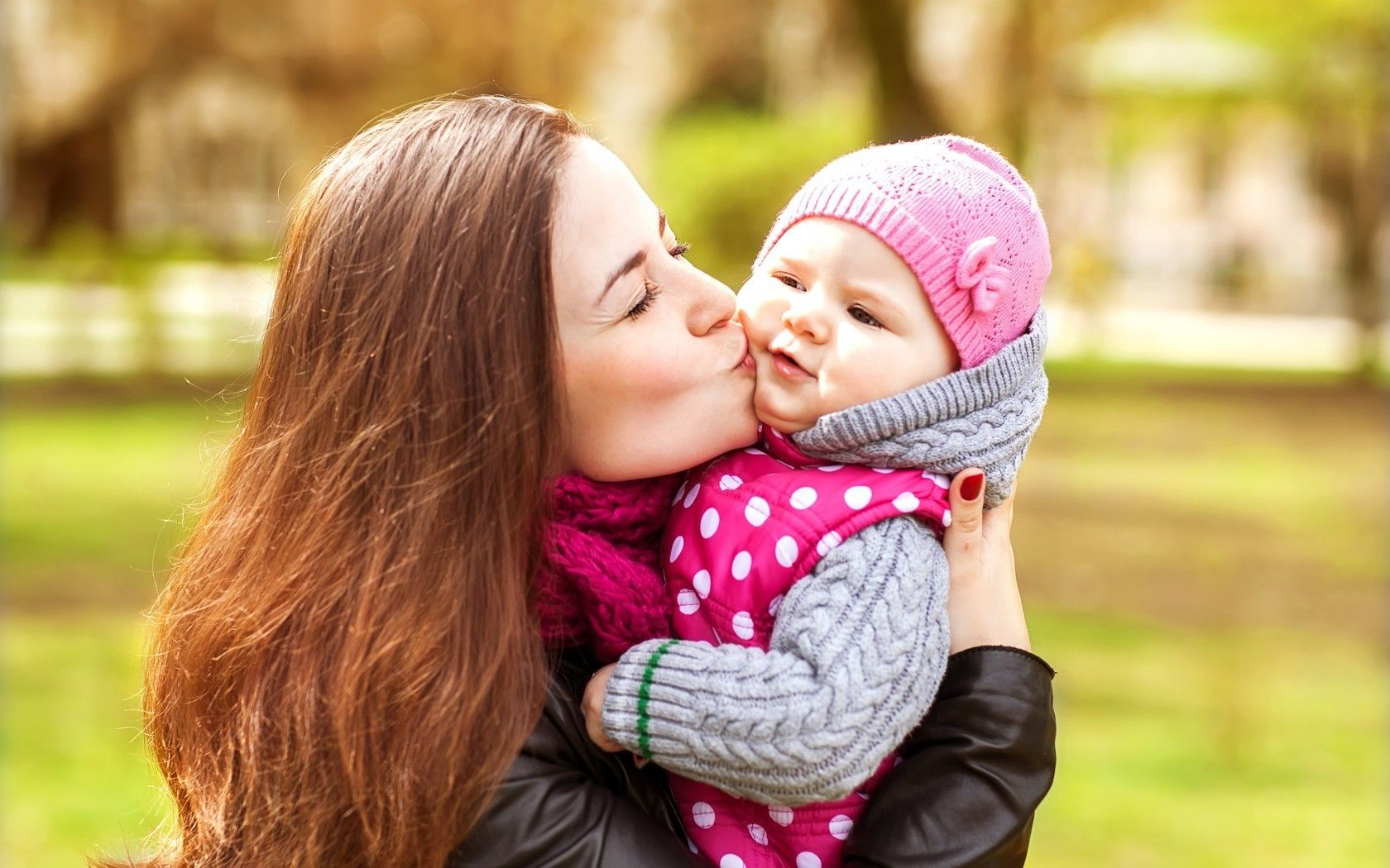 Baby Couple Kissing High Resolution Hd Wallpapers Free Download 1024
