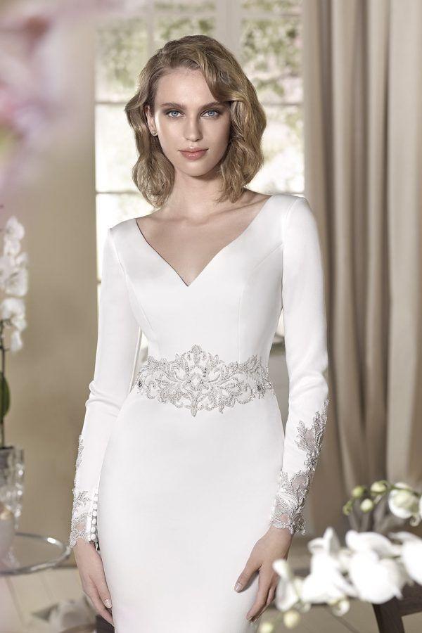 mangas y cintura bordada del vestido de novia modelo granada de