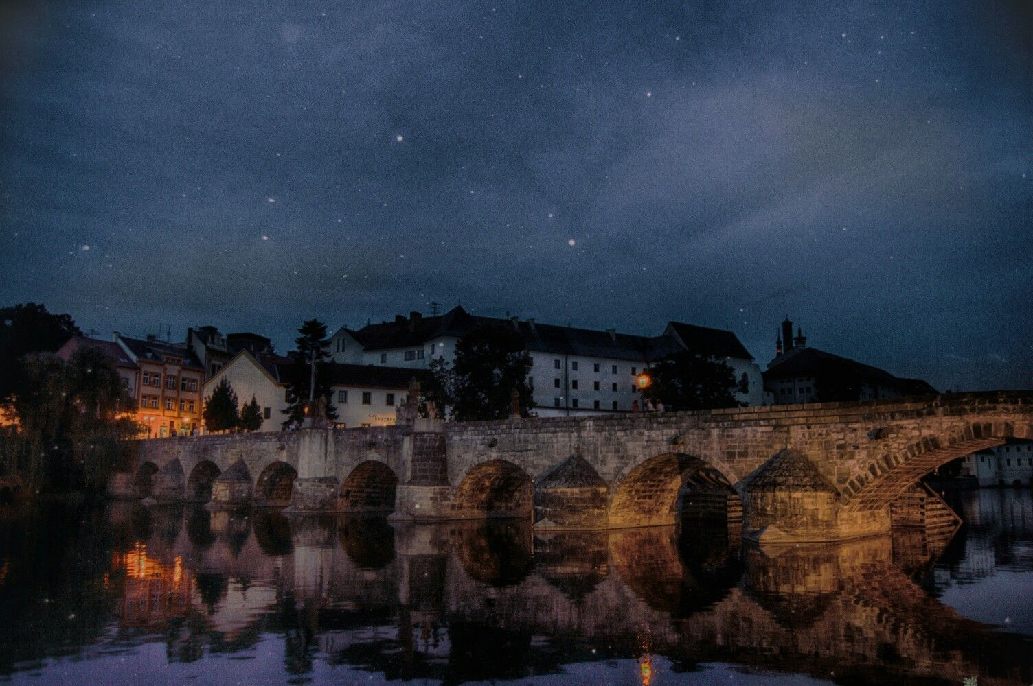 #hdr #bridge #town #sky #stars #river #water #night #lights #building #architecture #bricks #castle #old #photoshop #photoshopcs5 #nikcollection #vsco #vscocam #nikon #nikond3200
