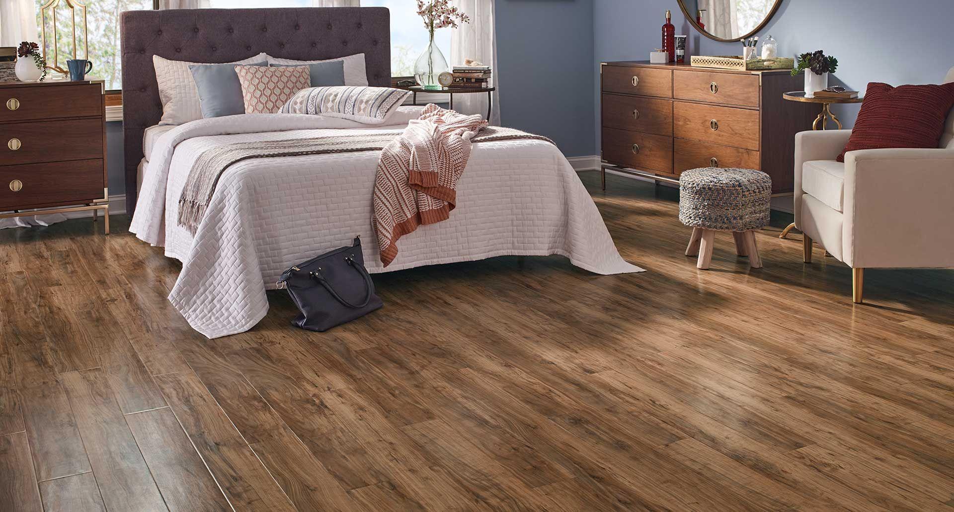 Apple Wood Smooth Laminate Floor Caramel Color Finish 10mm 1