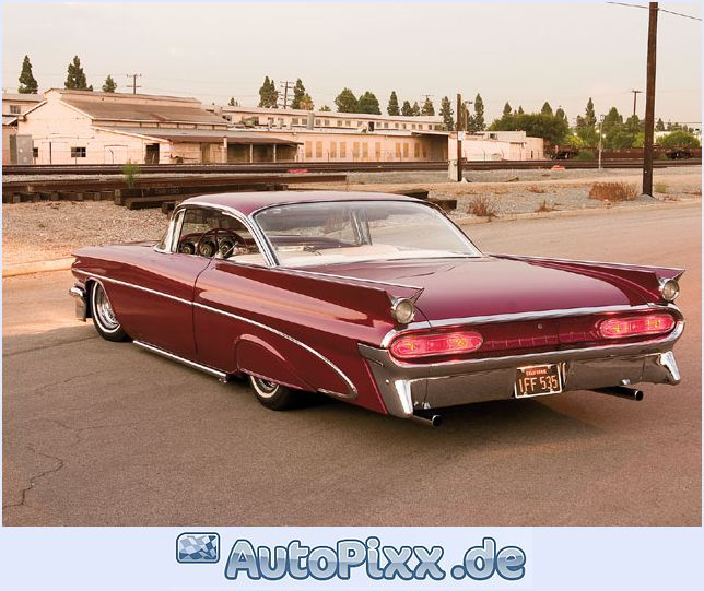 59'Pontiac Bonneville