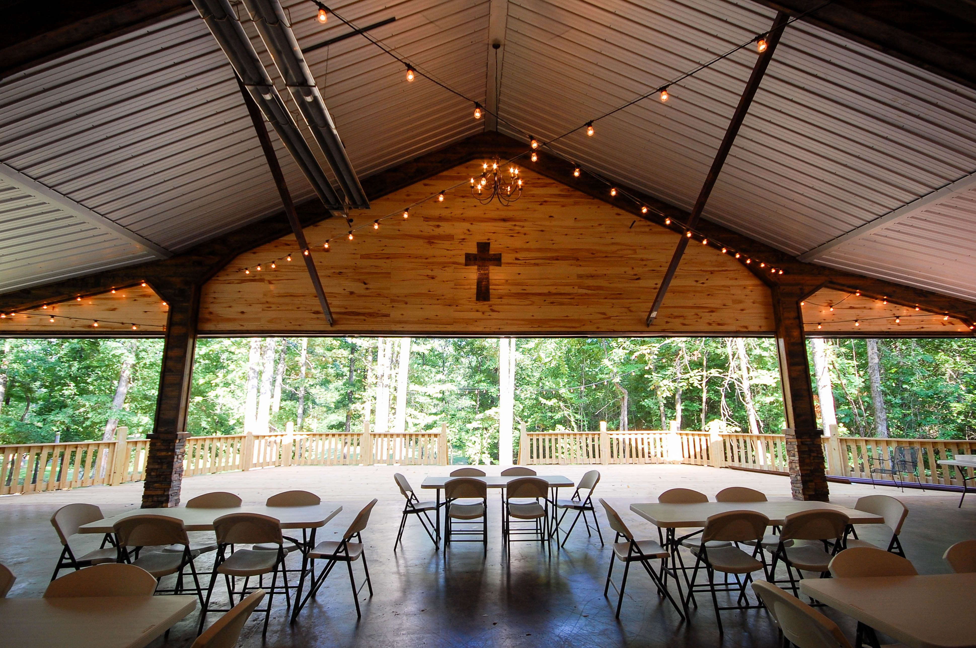 White Oaks Venue Beautiful Broken Bow Oklahoma Www Whiteoaksvenue Com Venues Broken Bow Cabin Rooms