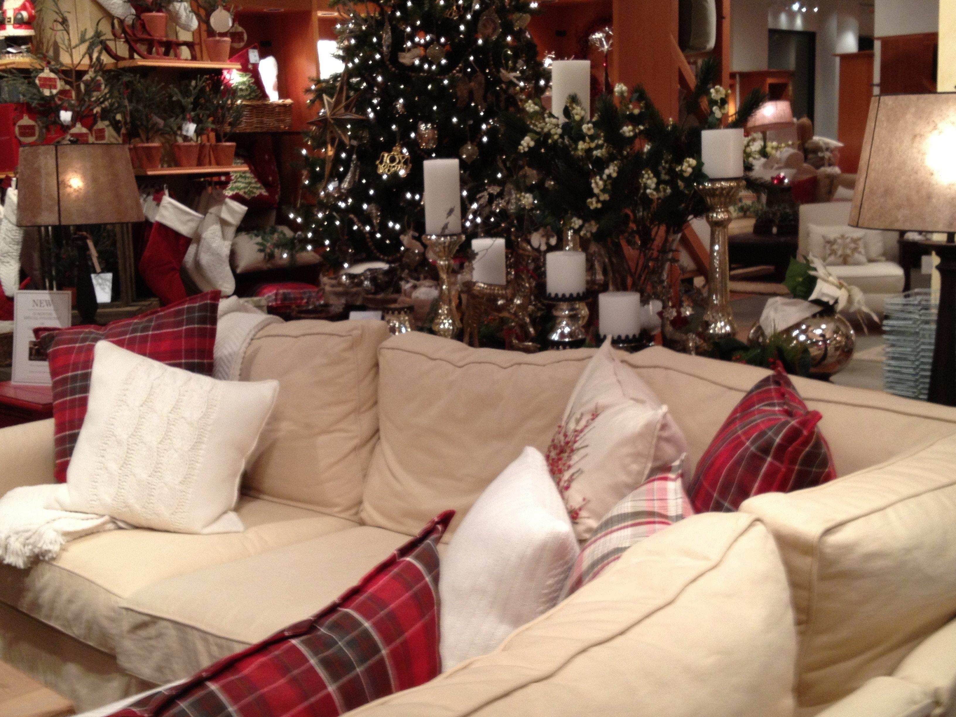 Christmas Cozy Living Room Ideas Home Ideas 2018 Holiday Living Room Christmas Living Rooms Pottery Barn Living Room