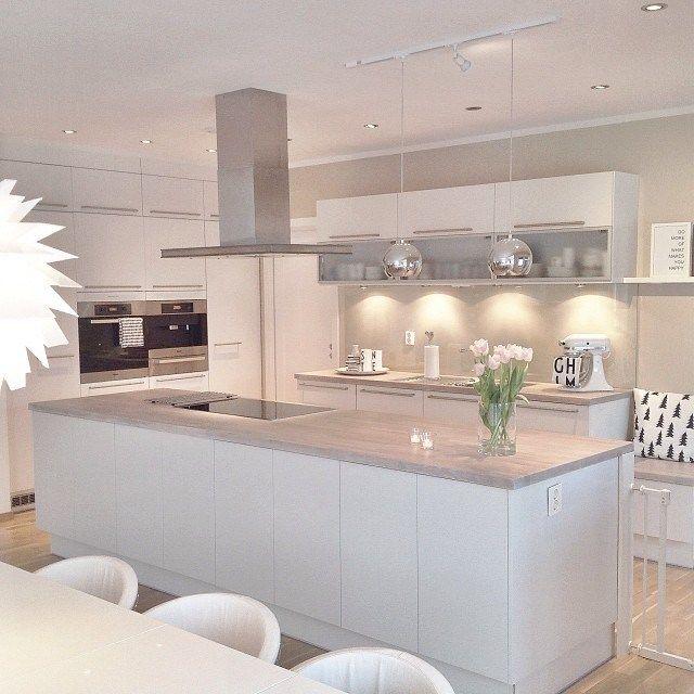 Preciosa casa de estilo nórdico en Noruega | Ideas para, Kitchens ...
