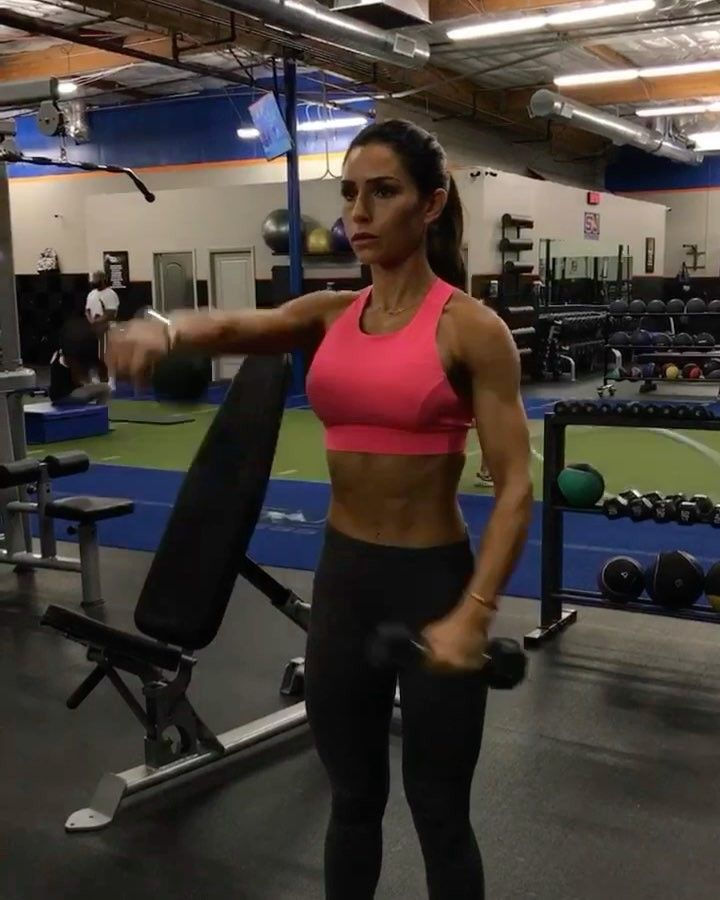 Pin by Mariette Louw on Arms   Alexia clark, Shoulder workout