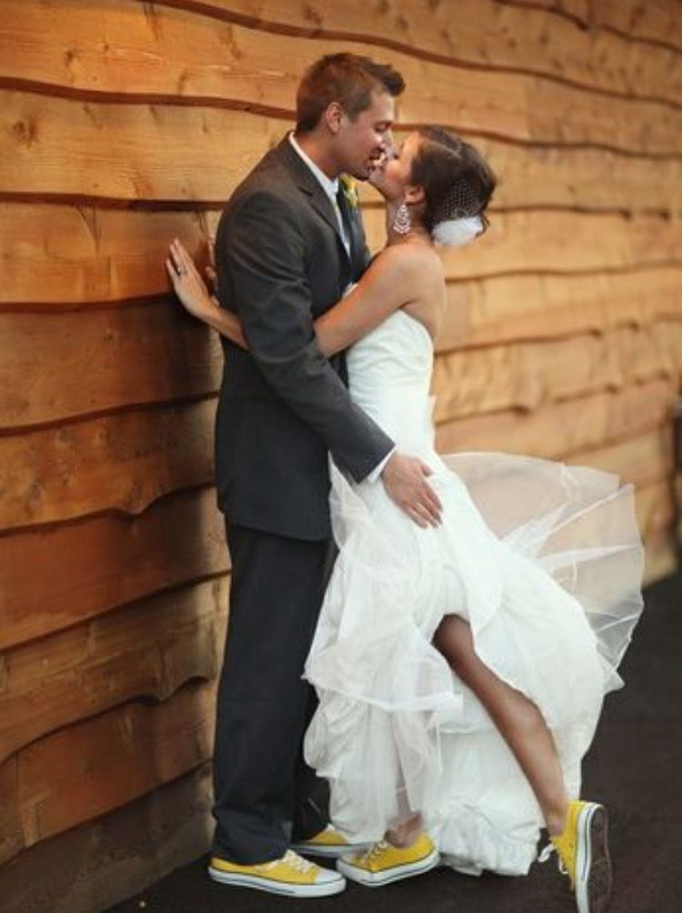 Pin by Karla Bershers on Alondra's wedding | Chuck taylors