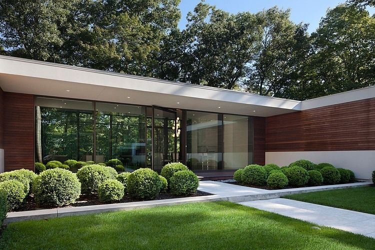 New Canaan Residence By Specht Harpman House Mid Century Landscaping U Shaped Houses Modern Landscaping