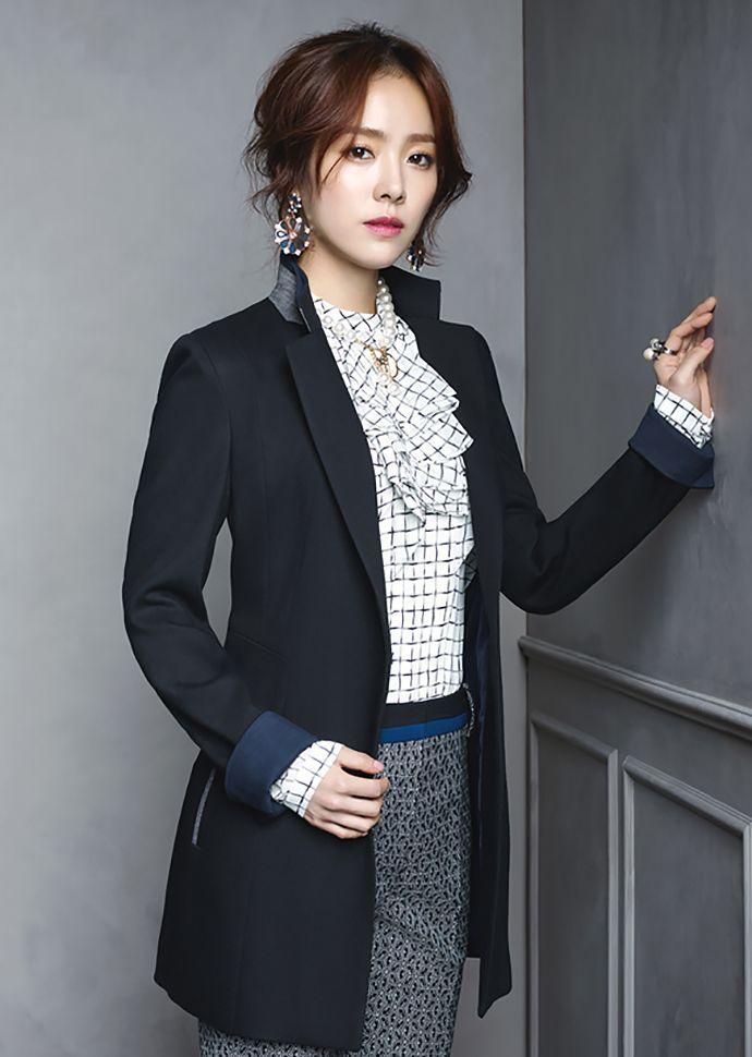 Crocodile Ladies Spring 2015 Visuals Feat. Ha Ji Won