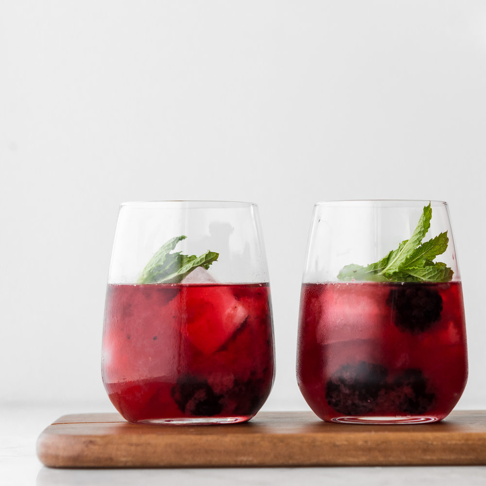 Photo of blackberry ginger whiskey sour – With Spice