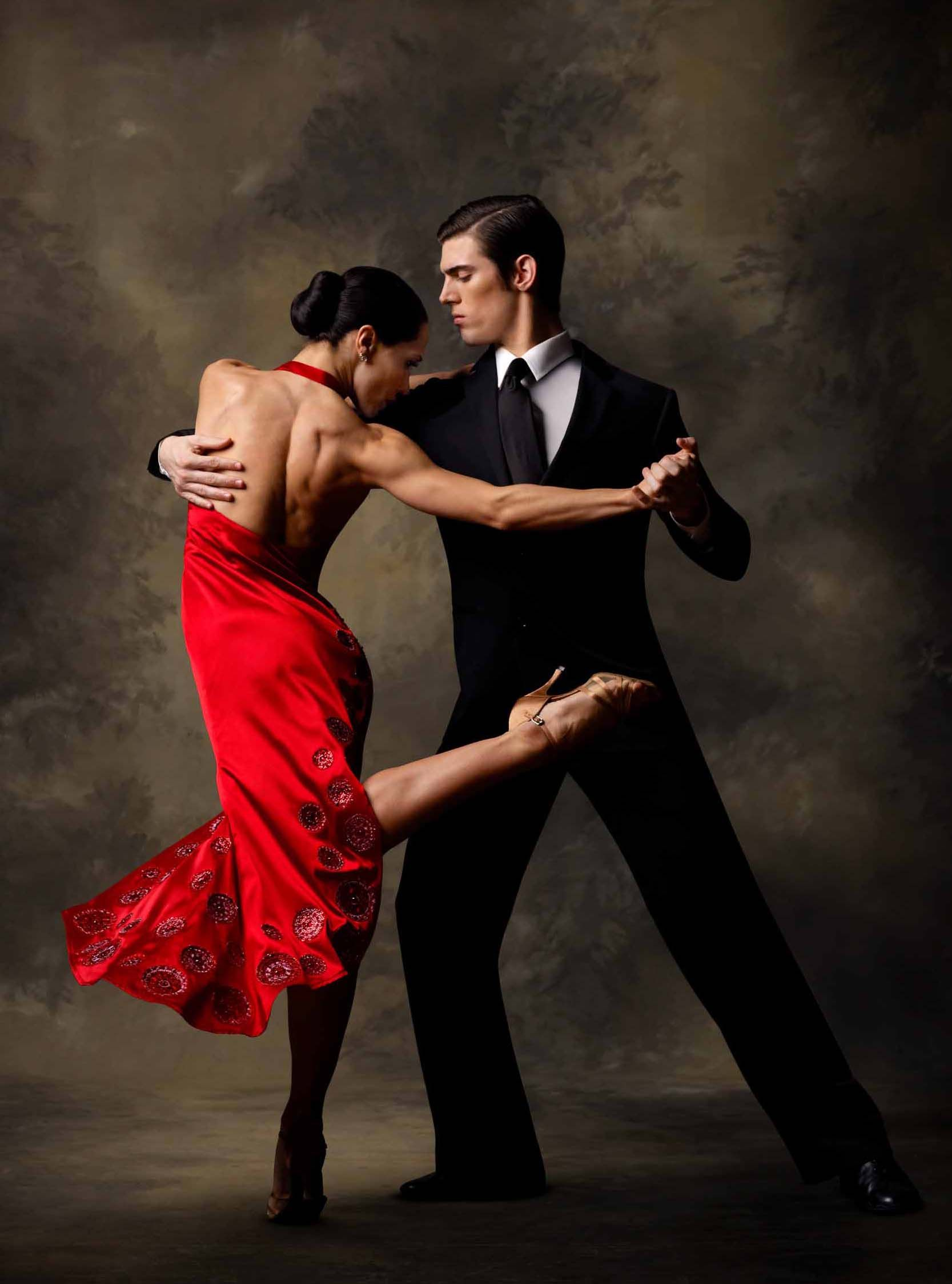 Free tango lesson at daley plaza dance photography
