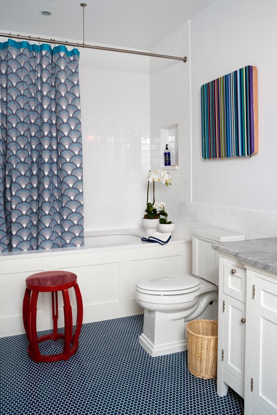 This contemporary kids\' bathroom features varying patterns and ...