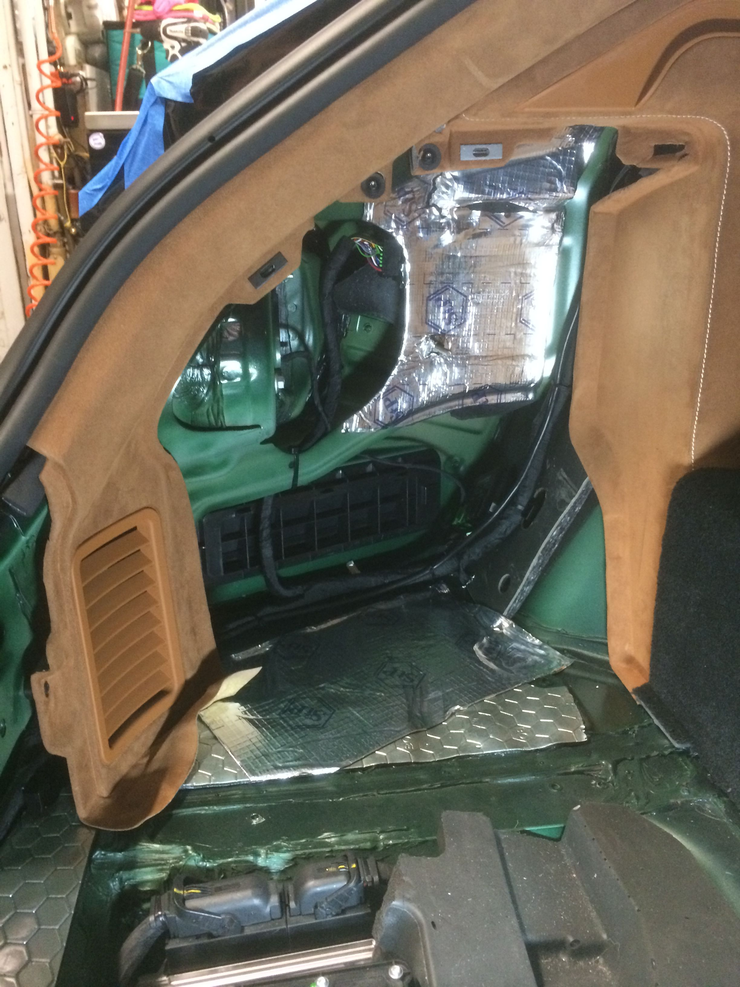 Custom fabrication audio for Ferrari FF   Custom Fabrication