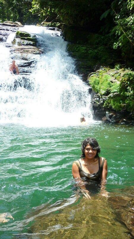 Catarata escondida sobre el Rio Pacuare, Costa Rica