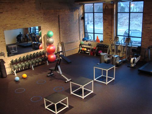 Chicago fitness area ravenswood health center personal for Small room workout