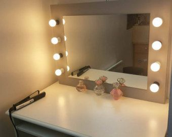 Miroir De Salle De Bain Rond Argente Eclaire Encadre Par Led