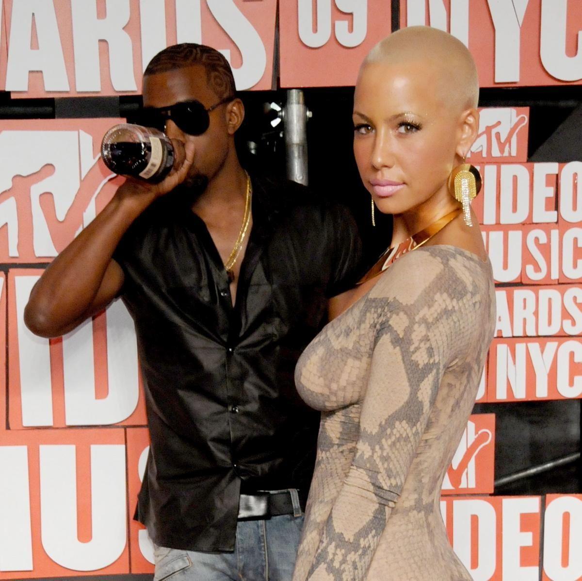 Look Back At Kanye West And Amber Rose S Crazy Relationship Kanye West Mtv Video Music Award Hip Hop Music