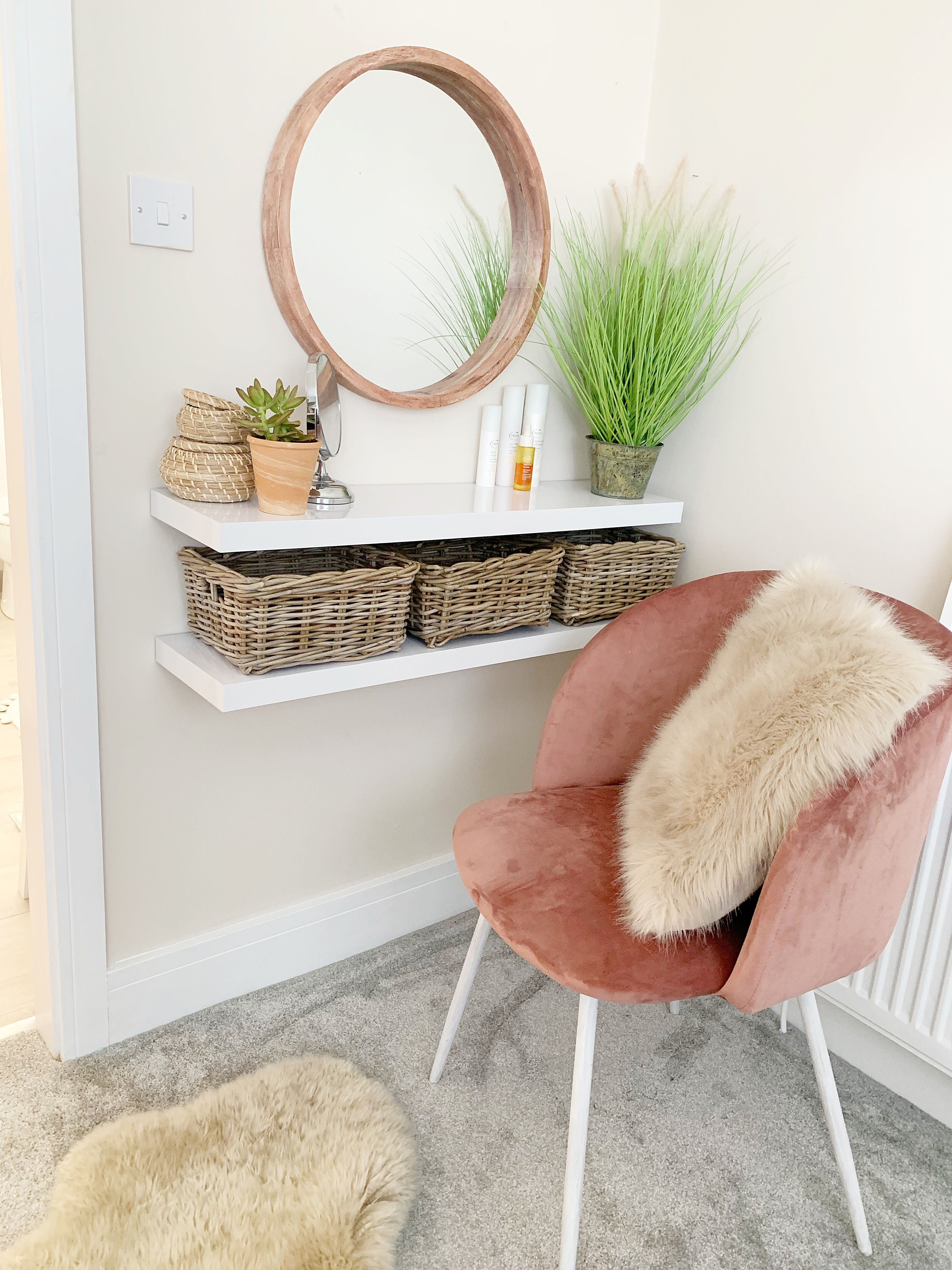 Best Easy Diy Dressing Table With Floating Shelves And Ikea 640 x 480