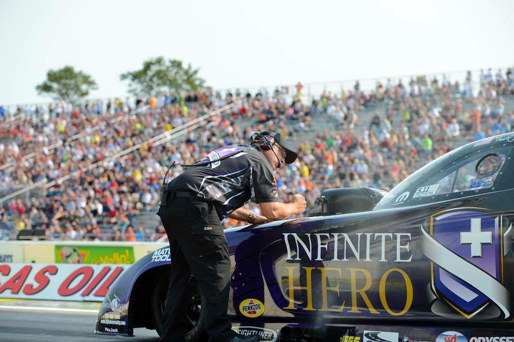 """Fast Jack"" Beckman & Team Racing at the Lucas Oil interNational Raceway in the Infinite Hero Nitro F/C"