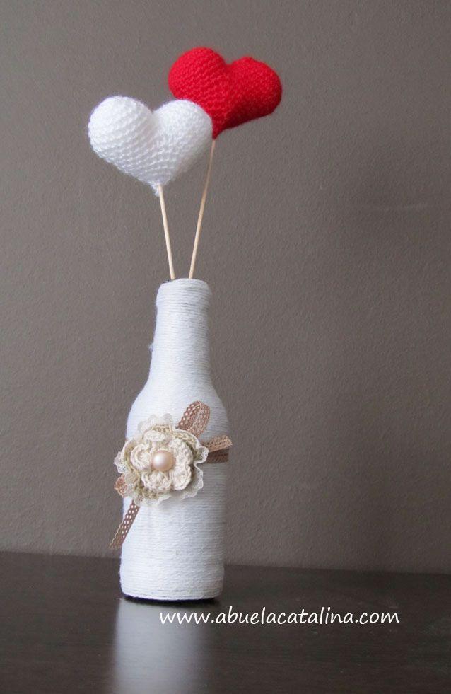 Mini centro de mesa flor con corazones de ganchillo san - Centros de mesa de ganchillo ...